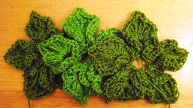 """5 Free Christmas Crochet Patterns: Crochet Christmas Wreaths"