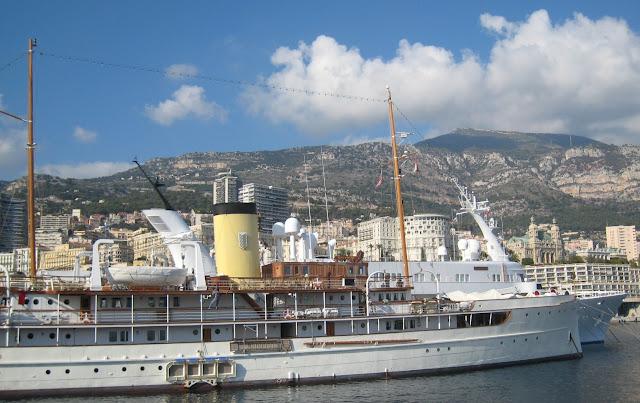 stavros niarchos yacht decor