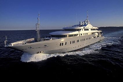 [luxury-yachts1.jpg]