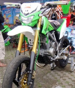 Modification+of+Kawasaki+KLX+150 Kawasaki KLX 150 Supermoto Modification