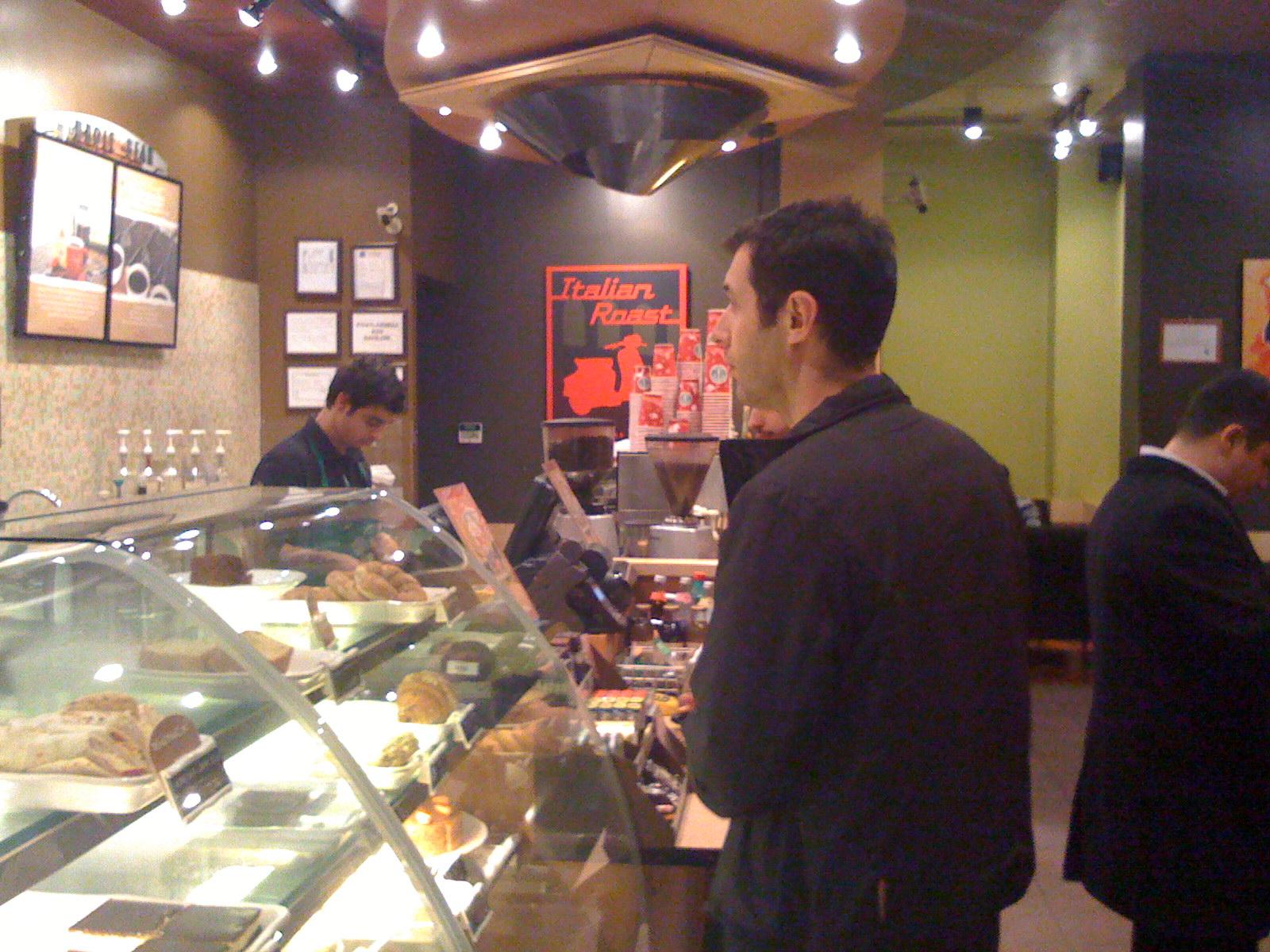 Caddebostan Starbucksa gittik, kahve içip ayıldık!