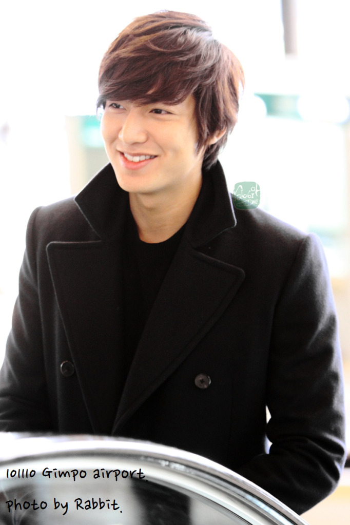 Lee Min Ho JP http://minhoaddict.blogspot.com/2010/11/lee-min-ho-goes-to-japan-for-love-peace.html