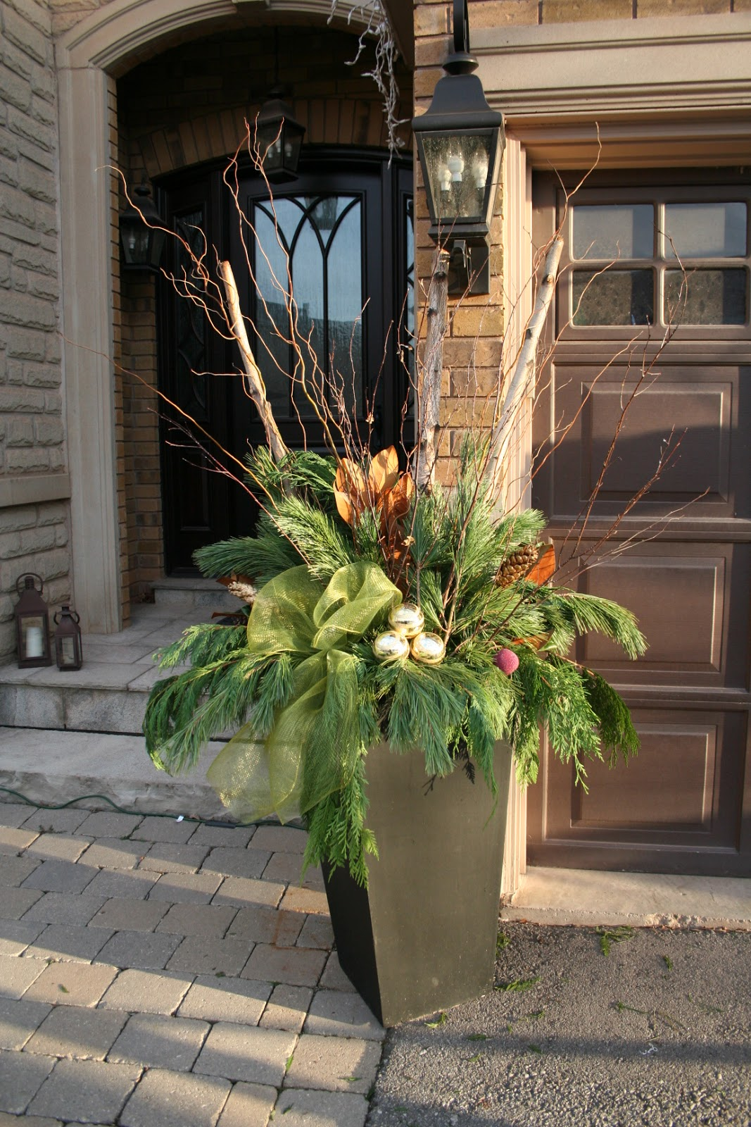 Decorating Ideas > Ideas 2 Inspire Christmas Planters ~ 101404_Christmas Decorating Ideas For Outdoor Pots