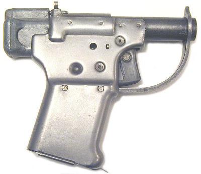 WW II strange pistol