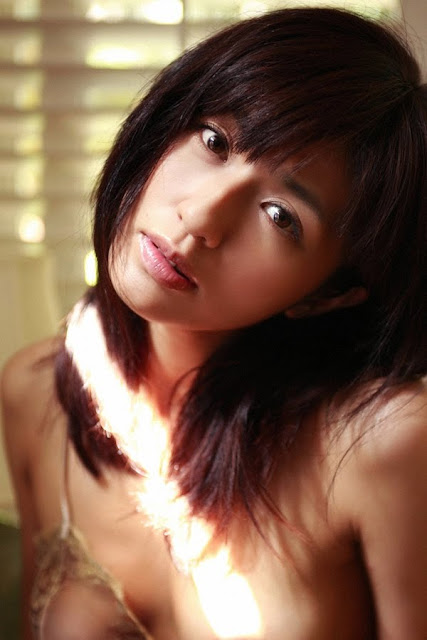 Japanese actress Tomomi Miyauchi's sex scene in Ecchi o nerae!: Inuneko.