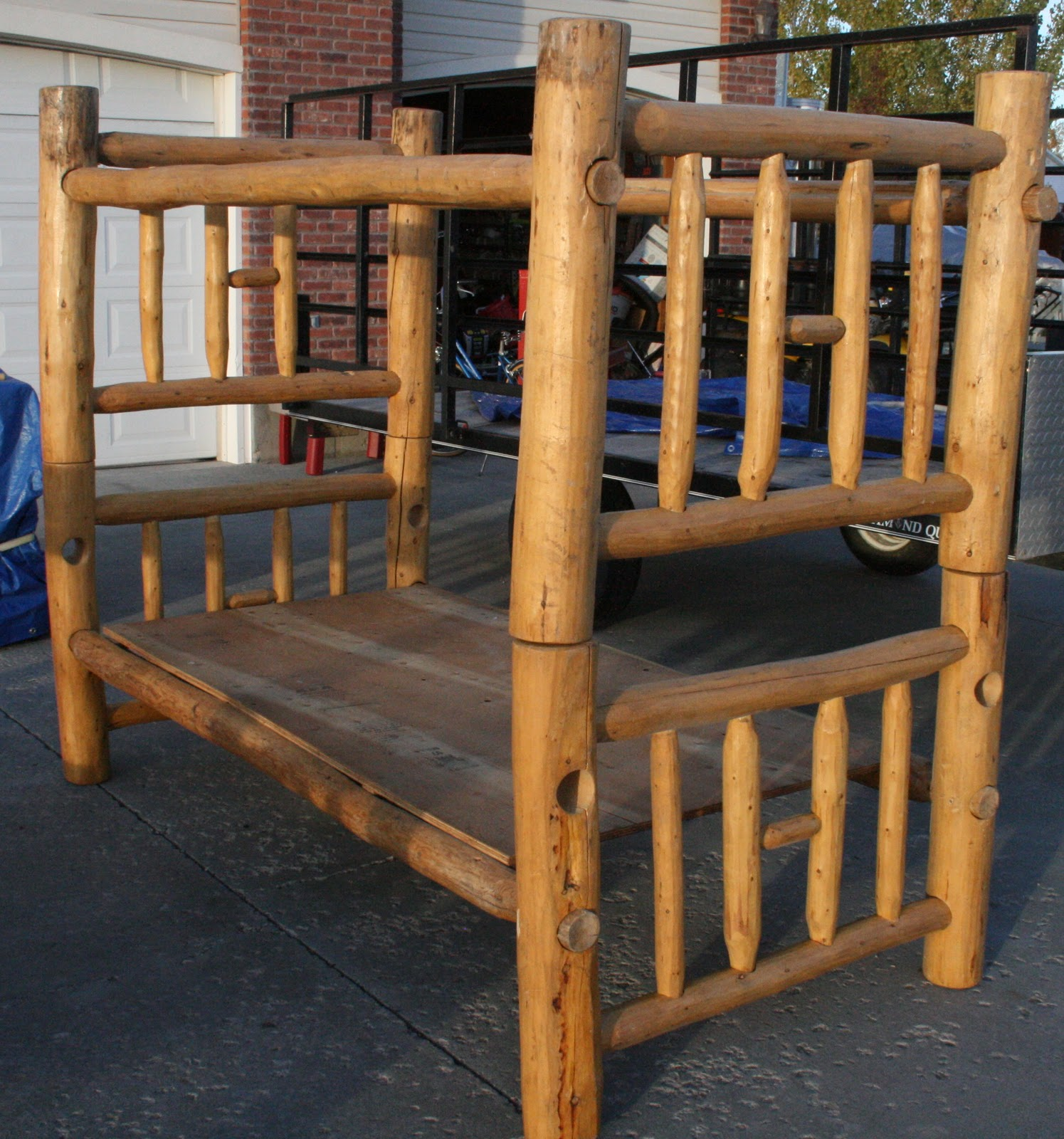 virtual garage sale pine log twin bunk beds can be used as two single beds. Black Bedroom Furniture Sets. Home Design Ideas