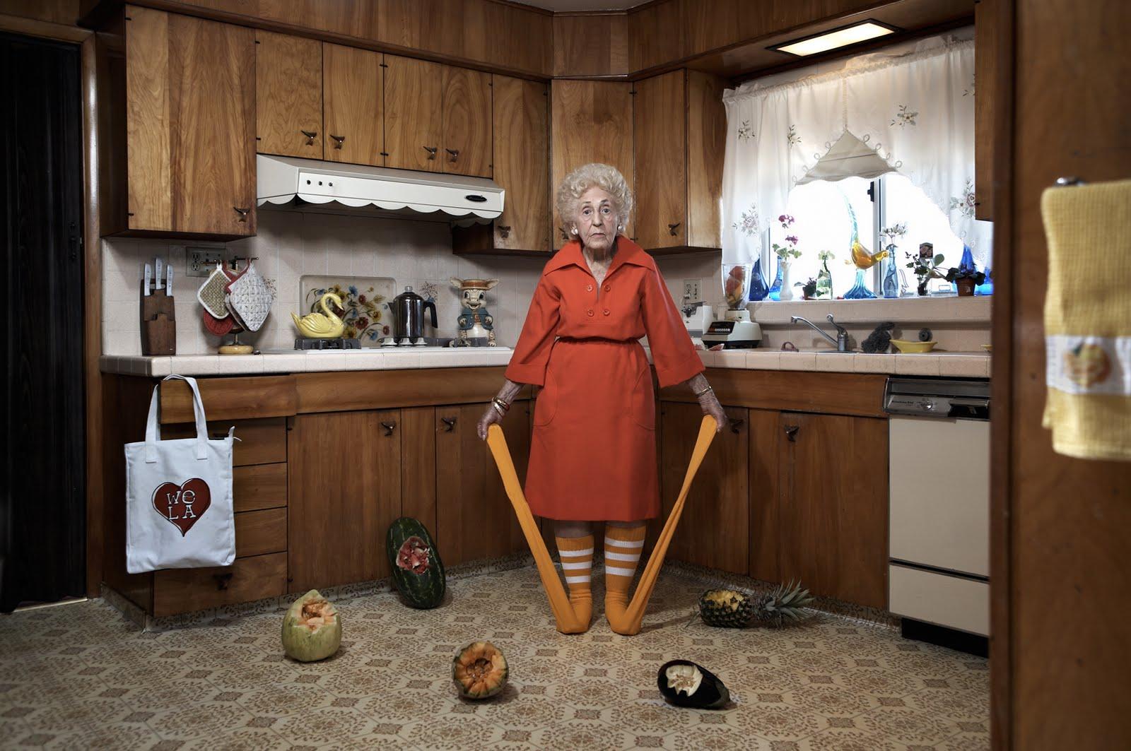 Фото в колготках бабушки