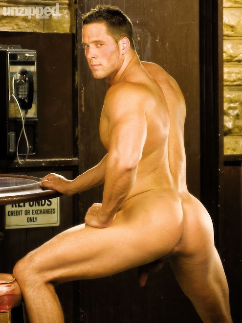 ERIK RHODES IS ANOTHER HOT DUDE WHO LOVE TO SHOW OFF HIS ASS AND LOVES HIS MANPUSSY TO BE POUNDED