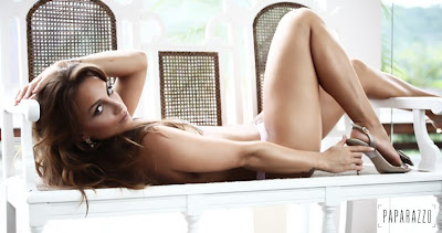 Capa Da Revista Playboy De Dezembro Playboi Foto Video Making
