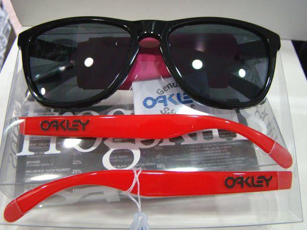 oakley d2