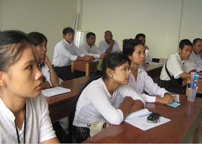 >Photography training for the staff in The Free Funeral Service Society (Yangon)