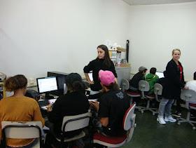 Professora Valdiana com alunos do 7ºA.