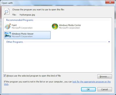 Снимок экрана диалога 'Открыть с помощью' со списком 'Рекомендованные приложения'
