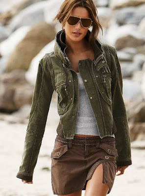 ceket3 Kot Ceket modeli ve Yırtmaçlı kahverengi etek modeli