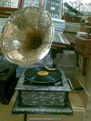 GRAMOFON2 yenimoda.blogspot.com Antika Gramofon Modelleri Gramofon  ÇeŞitleri