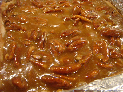 caramel and pecan filling in crust