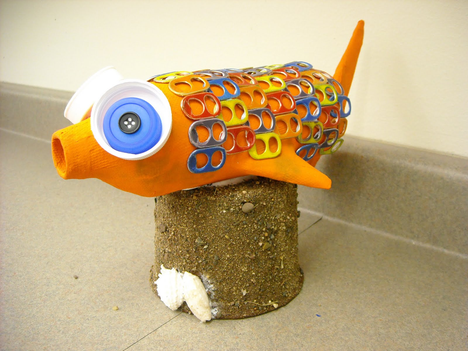 one crayola short paper mache fish. Black Bedroom Furniture Sets. Home Design Ideas