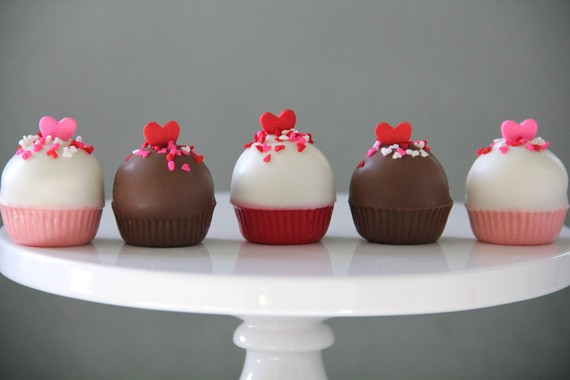 ... pops (haha get it? sucker?) and these Valentine cake pops are as sweet