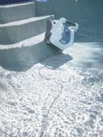 iRobot Verro 500 pool cleaning robot