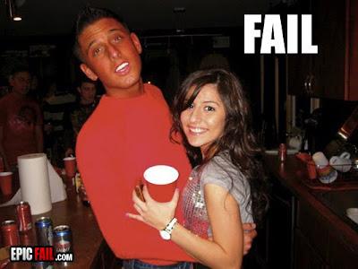 http://1.bp.blogspot.com/_9xsnZ-wNWqY/S5vBPdFKi2I/AAAAAAAAAmQ/GbmkBDZcxhw/s400/tan-fail-wtf.jpg