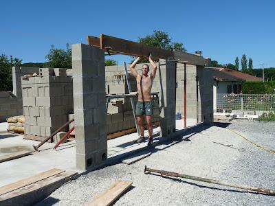 En direct du lanot les linteaux des portes de garage for Garage bloc beton