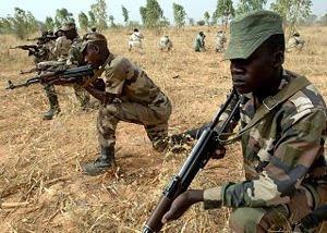 Niger : et c'est reparti ! dans Liens 300px-2007_Niger_soldiers