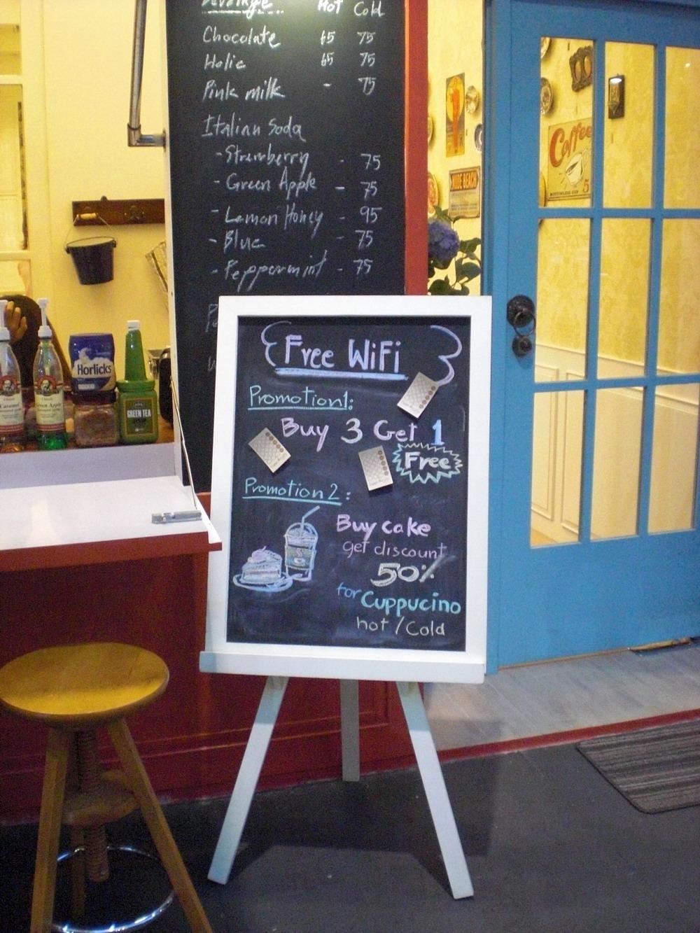 Cdc Cake Decoration Center : Crystal Design Center (CDC) Coffee Shops   Bangkok ...