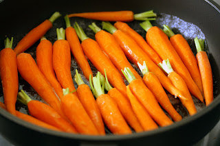vajban párolt répa sárgarépa cukor narancslikőr