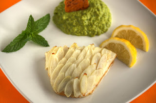 fehér spárga pikkely zöldségpikkely spárgapikkely fogas hal borsó zöldborsó borsmenta menta püré vargánya grillázs