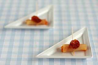 átszerkesztett paprikás krumpli burgonya tv paprika paradicsom kolbász chips kolbászchips amuse gueule amuse bouche nasi