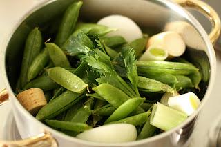 borsóleves zöldborsóleves zöldborsó leves borsóhéj borsóhüvely hüvely leves borsóhéjleves óriás garnéla garnélarák