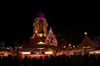 karácsonyi falu berlin gendarmenmarkt német dóm