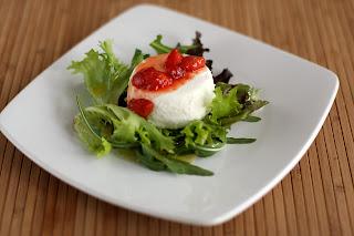 langyos kecske sajt kecskesajt földi eper földieper eperkaramell karamell bodza vinaigrette öntet saláta