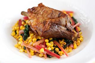 báránylapocka bárány hús sült lapocka csont piros mángold rózsaszín kukorica köret