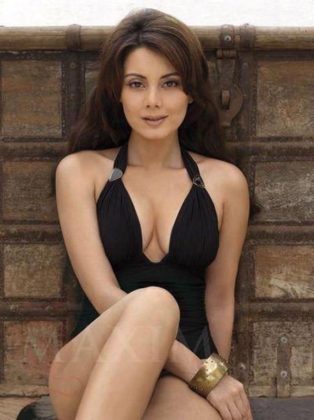 hot and sexy minissha lamba, hot minissha lamba in bikini, hot minissha lamba wallpapers and photos, hot minissha lamba boobs/breasts