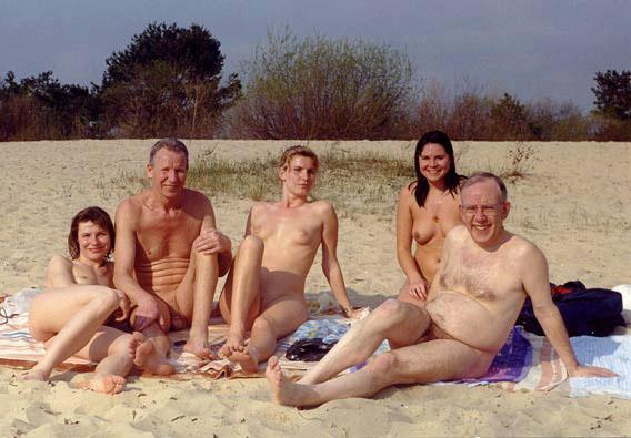 Нудисты на побережье фото подборка смотреть. Пляжная красота в обнаженном
