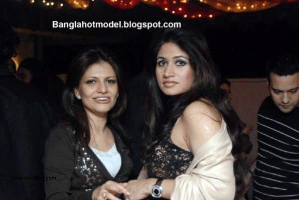 YouTube Bangladeshi model Grammen Phone Rubaba Dowla Matin