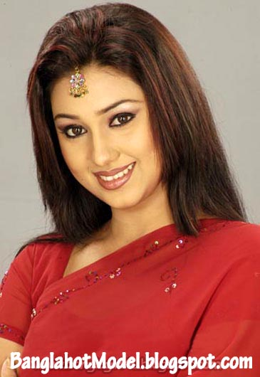 Images of Apu Biswas With Shakib Khan