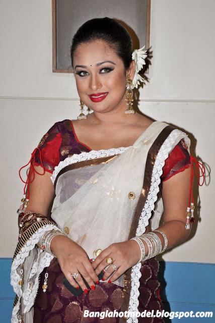 Dhallywood Actress Rumana