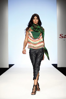 сиво - Облекло, мода, елегантност - Page 2 2010-Spring-Summer-Salsa-Collection