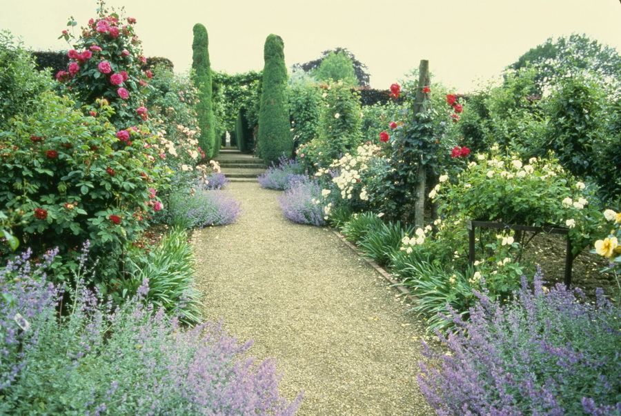 Beautiful English Country Gardens ~ Love Sepphoras