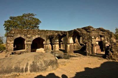 Posted by Vibha Malhotra : Madan Mahal - Watch Tower of the Past : Beautiful Arches in the Ancient Architecture