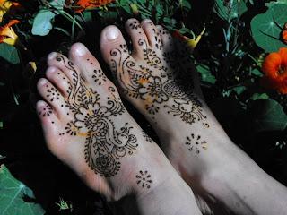 feet in garden