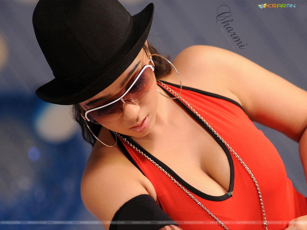 http://1.bp.blogspot.com/_A6EFUCyAI6E/TKHuTO9oxMI/AAAAAAAAAEk/fFWdAAAiq1U/s1600/charmi-wallpaper-1.jpg