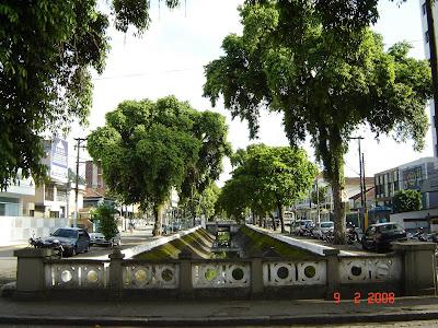 Canal 3 - Av. Washington Luiz, olhando para o Norte (em direção ao centro da cidade). Free picture by Emilio Pechini