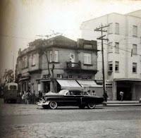 Avenida Conselheiro Nébias esquina com a rua dr. Epitácio Pessoa, no ano de 1959