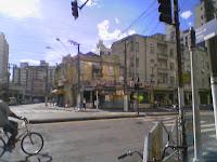 Avenida Conselheiro Nébias esquina com a rua dr. Epitácio Pessoa, no ano de 2008