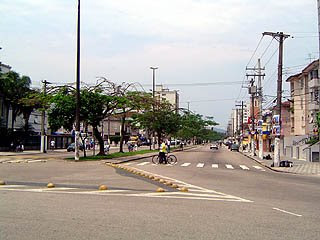 Av. Afonso Pena em Santos, em 2004 - foto de Emilio Pechini