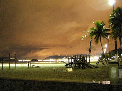 Foto da praia de Santos noturna - Foto de EMILIO PECHINI em 07/08/2008