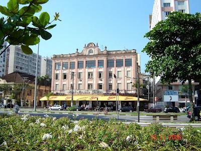 Hotel Avenida Palace - Praia do Gonzaga - Foto de Emilio Pechini em 15/11/2008